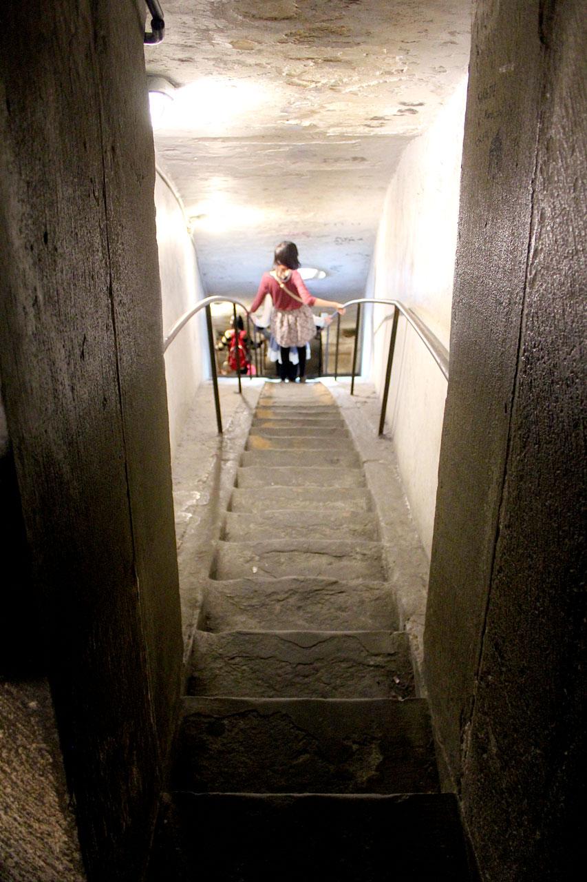 stairs-inside-duomo