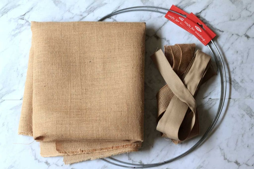 craft ring, burlap or hessian and cotton edging