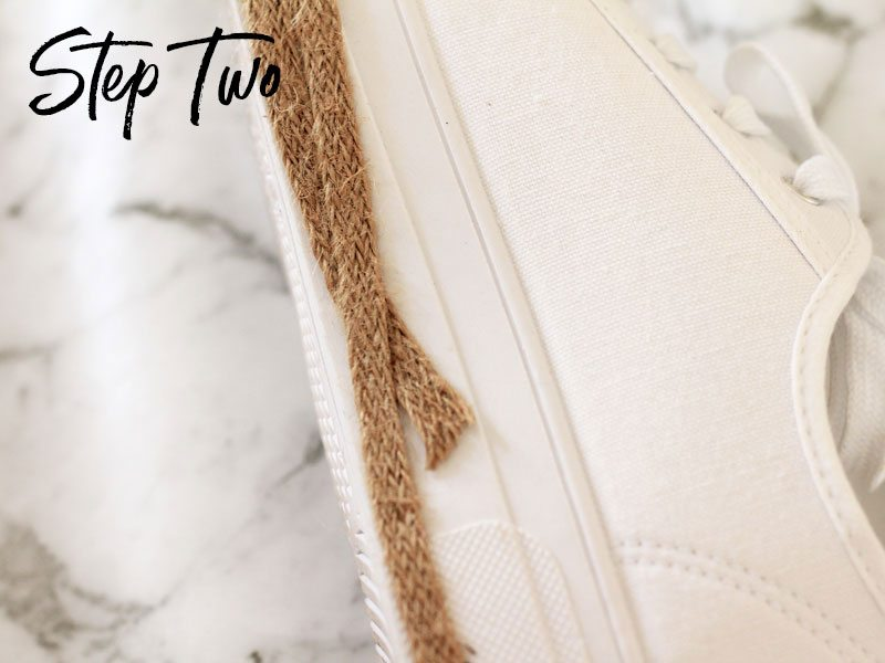 DIY sneaker espadrilles, step two | Dossier Blog