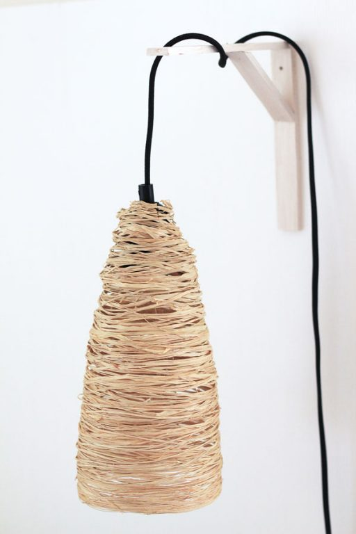 Love how this easy to make raffia pendant looks - even with the light off! | Dossier Blog