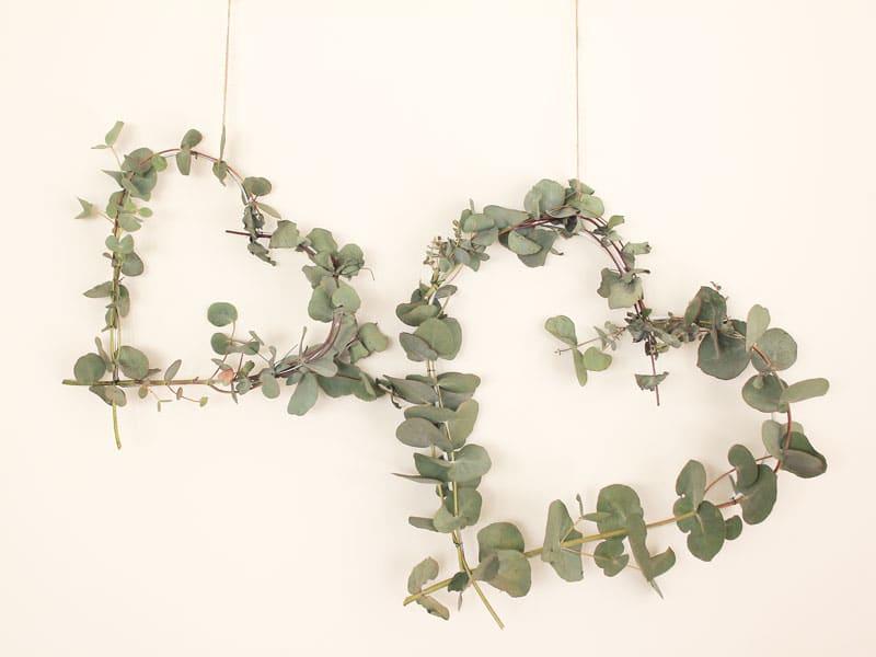 12 DIYs of Christmas #2: Heart Wreaths   Dossier Blog