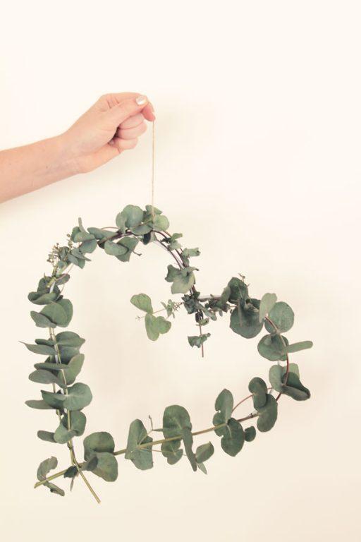 Make this easy Eucalyptus heart wreath   Dossier Blog